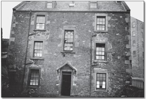 'Dumbie House where Thomas Braidwood established the first school for deaf children, 'Braidwood's Academy for The Deaf and Dumb' in 1760: By courtesy of Edinburgh City Libraries'